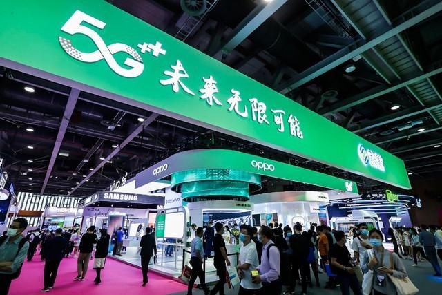 OPPO参展中国移动全球合作伙伴大会 卷轴屏概念机、AR眼镜等未来科技亮相