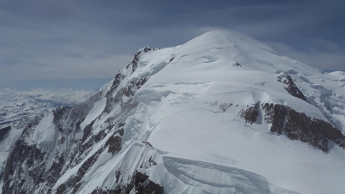 勃朗峰雪景图片